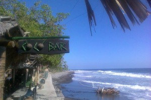 surf El Tunco, surf el salvador, surf trip el tunco, mellow waves surf trip, mellow after surf drinks